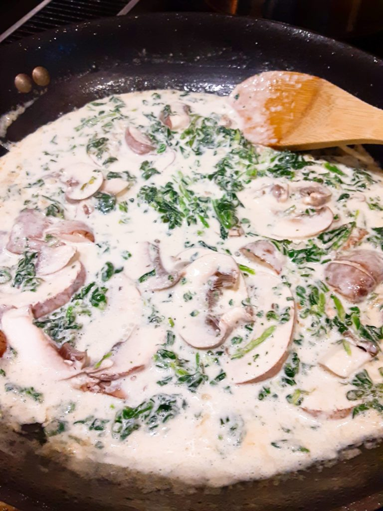 Creamy Tuscan Chicken Pasta sauce  With Spinach and Sun-Dried Tomatoes